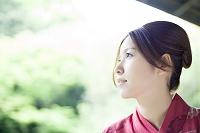 浴衣を着た日本人女性