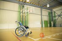 車椅子とバスケットボール