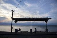 愛媛県 夕暮れの下灘駅