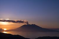 桜島噴煙たなびく