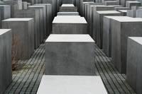 ピーター・アイゼンマン 「虐殺されたヨーロッパのユダヤ人のた...