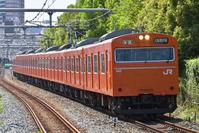 大阪府 大阪環状線 鉄橋を渡る103系普通電車(高窓車)