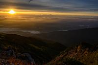 唐松岳頂上山荘から見る朝焼けの雲海