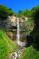栃木県 初夏の日光 華厳の滝と虹