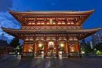 浅草寺 宝蔵門 ライトアップ