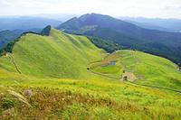奈良県 初秋の曽爾高原とお亀池