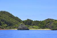 東京都 小笠原諸島 父島 観光船から望む南島瀬戸とジョンビーチ