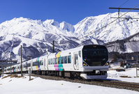 長野県 大糸線と唐松岳