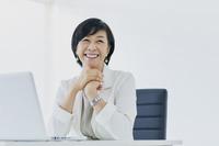 アラフィフの日本人ビジネスウーマン