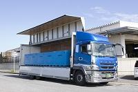魚を運ぶ保冷車(銚子港にて)