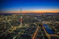 東京都 スカイツリーと隅田川の夜景の俯瞰