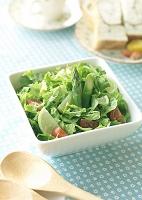 朝食の野菜サラダ