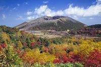 福島県 紅葉と吾妻小富士