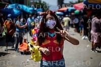 ペルー総選挙、エヴァのコスプレの候補者が話題