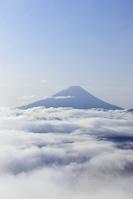 山梨県 大雲海に浮かぶ富士山