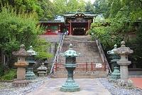 静岡県 久能山東照宮 葵の御紋入り銅灯籠と唐門