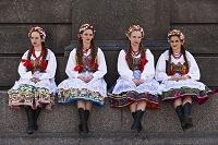 ポーランド 民族衣装の女の子