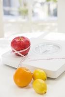 体重計と果物