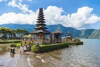 インドネシア ウルン・ダヌ・ブラタン寺院