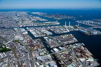 京浜工業地区(恵比須町周辺より東京湾)