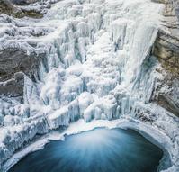 カナダ アルバータ州 ローワー滝