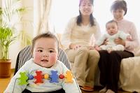 赤ちゃんと日本人家族