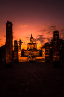 タイ 夕暮れのスコータイ歴史公園