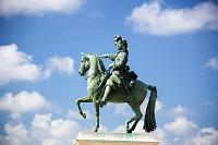 フランス ヴェルサイユ宮殿 ルイ14世騎馬像