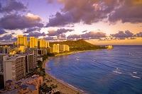 ハワイ ワイキキビーチとダイヤモンドヘッドの夕景