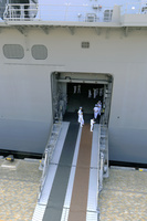 海上自衛隊 護衛艦いずも 出入り口