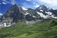 スイス アイガーとメンヒとヴェンゲルンアルプ鉄道とアイガー氷河