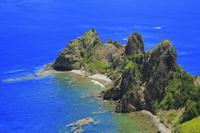 東京都 小笠原諸島 父島 長崎展望台から望む長崎と青い海