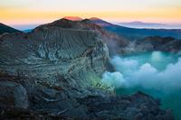 インドネシア イジェン火山
