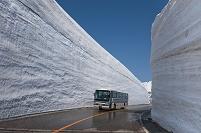 富山県 立山 雪の大谷