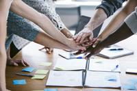 協力するビジネスチーム