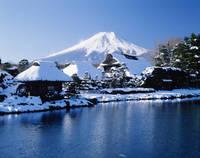 山梨県 忍野八海からの富士山