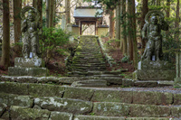 大分県 両子寺の仁王像と山門