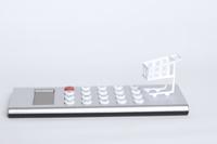 ペーパークラフトのショッピングカートと電卓