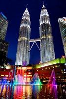 マレーシア クアラルンプール スリア KLCC(モール) 噴水と...