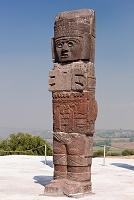 メキシコ イダルゴ州 トゥーラ トゥーラ遺跡 神殿B 戦士像...