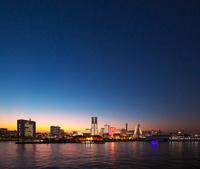 神奈川県 横浜市 みなとみらいの夕景