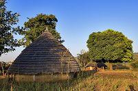 セネガル バサリ族の村 エジョロ