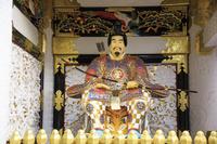 栃木県 日光東照宮 修復完成後の陽明門 随身像(17年3月)