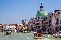 イタリア 運河とスカルツィ橋