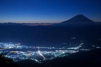 山梨県 星空と富士山
