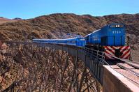 アルゼンチン サルタ 雲行き列車