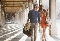 ヴェネツィア 観光をする外国人カップル