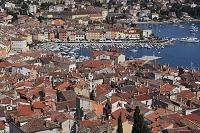 クロアチア ロヴィニ旧市街の家並み