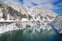 富山県 飛越峡合掌ライン の雪景色