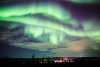 アメリカ合衆国 極北アラスカに舞うオーロラ